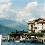 800px-bellagio_waterfront-stan-shebs-wikicommons